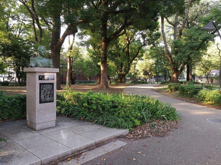 スタバ横の上野公園で休憩