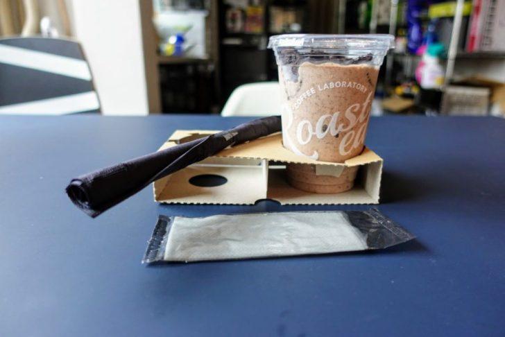 Roasted COFFEE LABORATORYエソラ池袋のバナナ&チョコレートシェイク持ち帰り