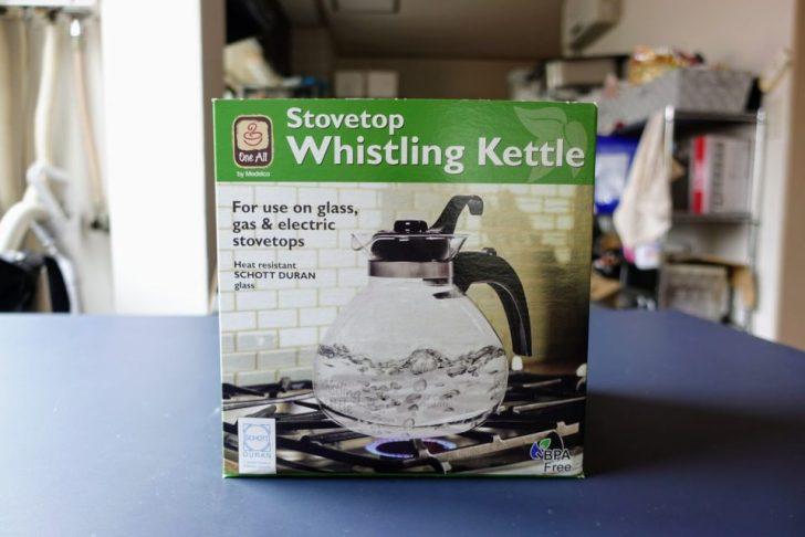 輸入代行XBORDERで送られて来たwhistling kettleの外箱