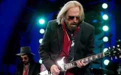 Tom Petty, Heartbreakers' leader, dies at 66