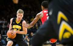 Brady Ellingson leaving Hawkeye basketball program