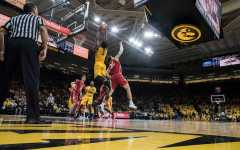 Hawkeyes bounce back, dominate Wisconsin