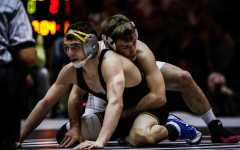 Spencer Lee shines, but Iowa falls to Ohio State