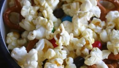 M&M's Popcorn Snack Mix 8