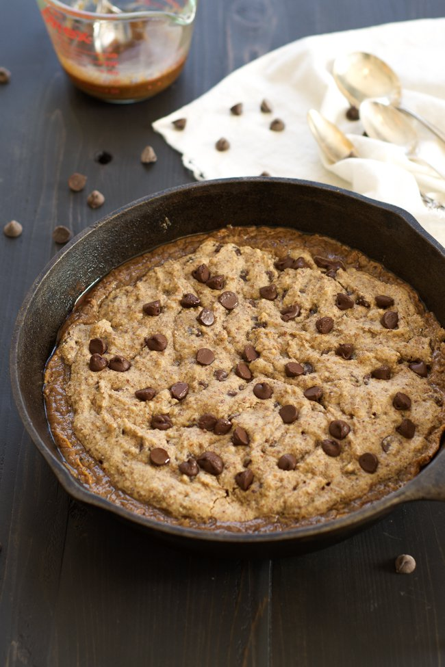 Paleo Deep Dish Salted Caramel Chocolate Chip Blondie Plus 40+ Cast Iron Skillet Recipes