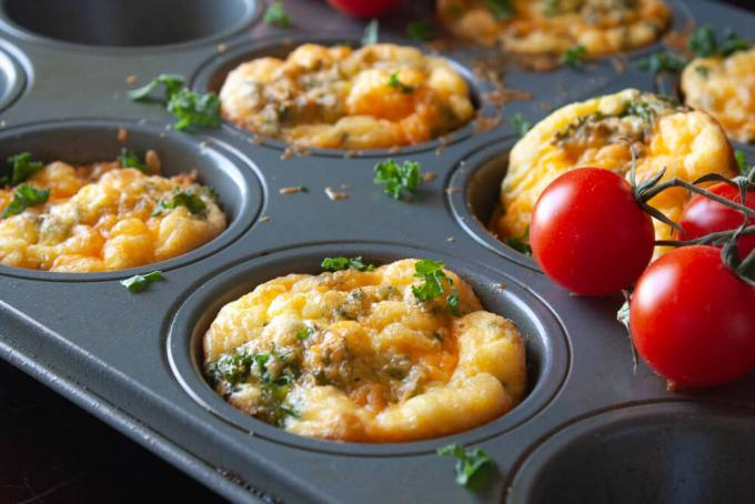 Baked Egg Cups - Kale and Cheddar Breakfast Cups 1