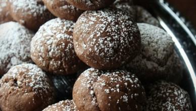 Skinny Chocolate Fudge Cookies. 2 SmartPoints