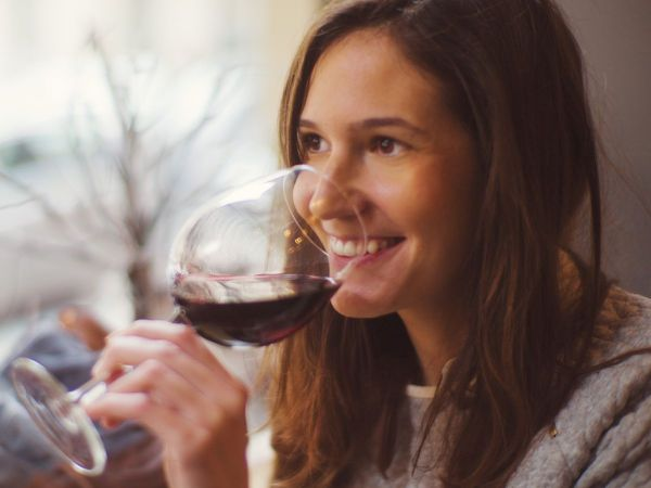 A glass of wine daily is worse for your heart than binge drinking: Finds Study | Daily Bayonet