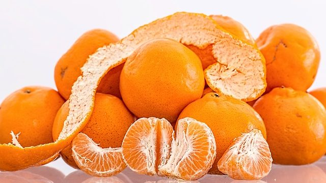 mennonite woman overdoses on christmas oranges the daily bonnet - Christmas Oranges