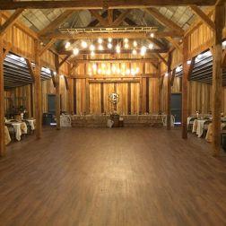 wedding venues in missouri - timberridgebarnjc 3