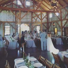 wedding venues in missouri - westonredbarnfarm 6