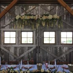 wedding venues in missouri - westonredbarnfarm 7