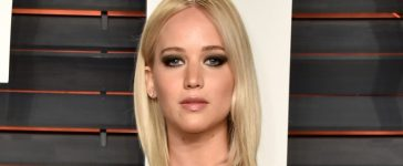 Actress Jennifer Lawrence attends the 2016 Vanity Fair Oscar Party Hosted By Graydon Carter at the Wallis Annenberg Center for the Performing Arts on February 28, 2016 in Beverly Hills, California