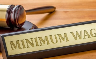 Minimum Wage Legal Dispute (Photo: Shutterstock)