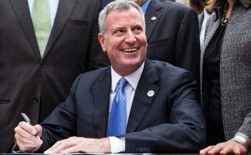 New York City Mayor Bill de Blasio (Photo by Andrew Burton/Getty Images)