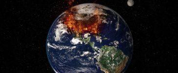 Planet Earth Global Warming - Massive Fire Chaos (Shutterstock/capitanoseye)