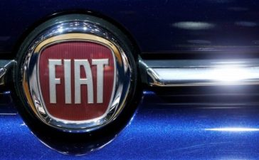 A Fiat car logo is pictured at the European Motor Show in Brussels, Belgium, January 13, 2017. REUTERS/Francois Lenoir