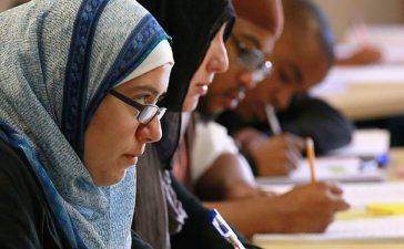 BERKELEY, CA - AUGUST 30: Leenah Safi (L) looks on during a lecture at Zaytuna College August 30, 2010 in Berkeley, California. Zaytuna College opened its doors on August 24, 2010 and was the first accredited four-year Islamic college in the US..(Photo by Justin Sullivan/Getty Images)