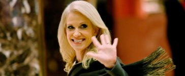 Kellyanne Conway, campaign manager and incoming counselor to the president, exits Trump Tower in New York, U.S. November 16, 2016. REUTERS/Eduardo Munoz