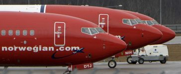 Parked Boeing 737-800 aircrafts belonging to budget carrier Norwegian Air are pictured at Stockholm Arlanda Airport, Sweden, in this March 6, 2015 file photo. REUTERS/Johan Nilsson/TT News Agency/File Photo