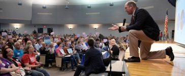 U.S. Representative Ted Yoho (R-FL) answers a question during a town hall meeting in Gainesville, Florida, U.S., April 10, 2017. REUTERS/Phelan Ebenhack