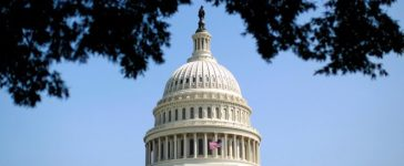 FILE PHOTO: The dome of the U.S. Capitol is seen in Washington September 25, 2012. REUTERS/Kevin Lamarque/File photo