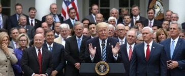 U.S. President Donald Trump (C) gathers with Congressional Republicans in the Rose Garden of the White House after the House of Representatives approved the American Healthcare Act, to repeal major parts of Obamacare and replace it with the Republican healthcare plan, in Washington, U.S., May 4, 2017. REUTERS/Carlos Barria
