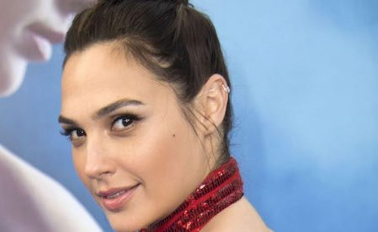 """Actress Gal Gadot attends the world premiere of """"Wonder Woman"""" at the Pantages on May 25, 2017 in Hollywood, California. (Photo: VALERIE MACON/AFP/Getty Images)"""
