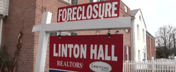 A foreclosed home in Manassas, VA in 2008. Credit: YouTube screen grab: https://www.youtube.com/watch?v=UXep2SsJlHw