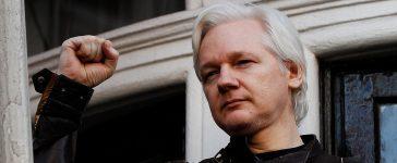 WikiLeaks founder Julian Assange is seen on the balcony of the Ecuadorian Embassy in London, Britain, May 19, 2017. REUTERS/Peter Nicholls