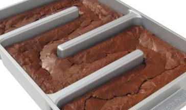 Finally, a brownie pan that will give you all edges (Photo via Amazon)