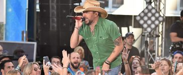 """NEW YORK, NY - AUGUST 25: Jason Aldean performs on NBC's """"Today"""" at Rockefeller Plaza on August 25, 2017 in New York City. (Photo by Theo Wargo/Getty Images)"""
