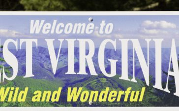 Here is a photo of a West Virginia welcome sign. (Photo: Shutterstock/ LesPalenik)