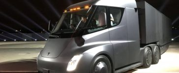 Tesla's new electric semi truck is unveiled during a presentation in Hawthorn, California, U.S., November 16, 2017. (Photo: REUTERS/Alexandria Sage)