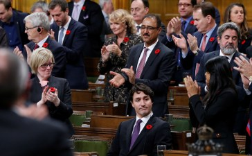 Canada's Prime Minister Justin Trudeau receives a standing ovation after delivering a speech marking the 150th anniversary of the first sitting of the House of Commons on Parliament Hill in Ottawa, Ontario, Canada, November 6, 2017. REUTERS/Chris Wattie