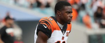 JACKSONVILLE, FL - NOVEMBER 05: A.J. Green #18 of the Cincinnati Bengals works out on the field prior to the start of their game against the Jacksonville Jaguars at EverBank Field on November 5, 2017 in Jacksonville, Florida. (Photo by Logan Bowles/Getty Images)