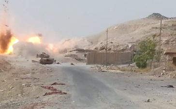 The tank takes its shot (LiveLeak / Screenshot)