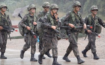 South Korean soldiers take part in a combined arms collective training exercise in Pocheon, South Korea September 19, 2017. REUTERS/Kim Hong-Ji