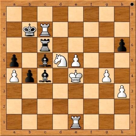 Position after Magnus Carlsen plays 36. Rxc7+.