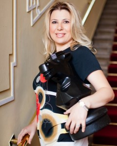 Besides being the World's Best Chess Trainer, Susan is a former World Chess Champion and a global symbol of women's achievement in intellectual competition.(photo: www.susanpolgar.blogspot.com)