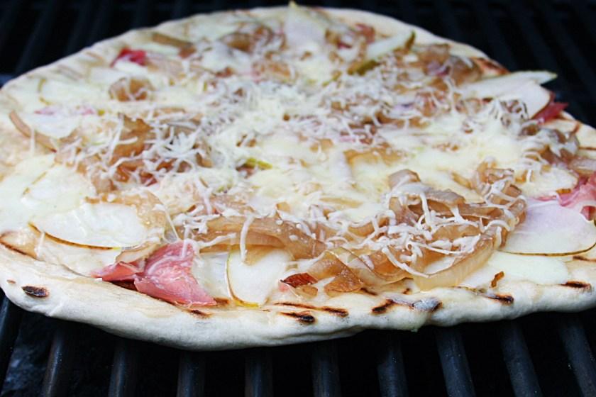 pear-pizza-fontina