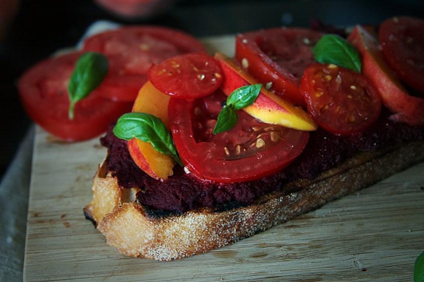 beet-hummus-crostini-2