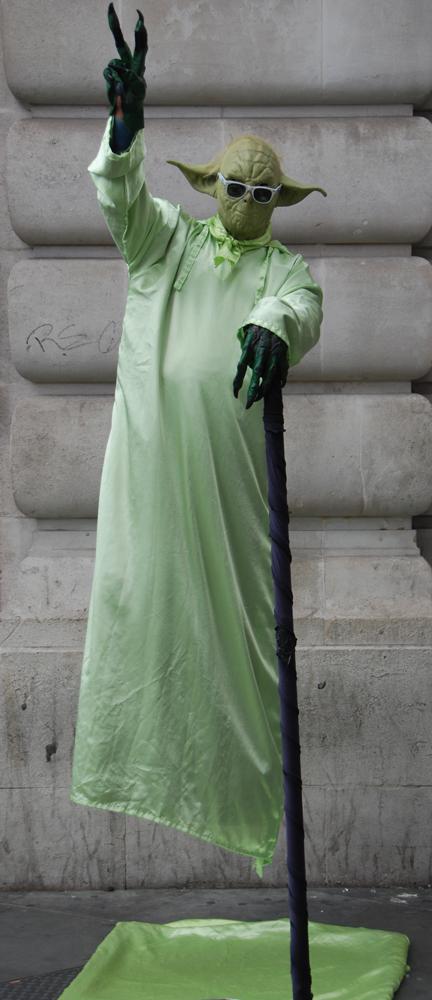 Street_Yoda_London