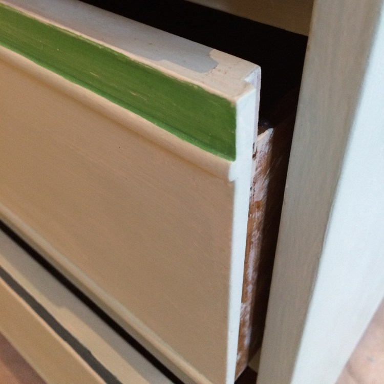03_Drawer_close_up_small