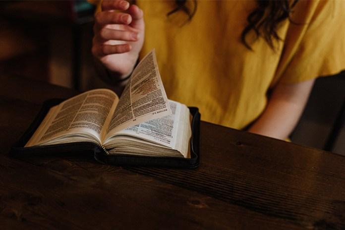 Billy Graham Daily Devotion 9 December 2018 - Word Made Flesh