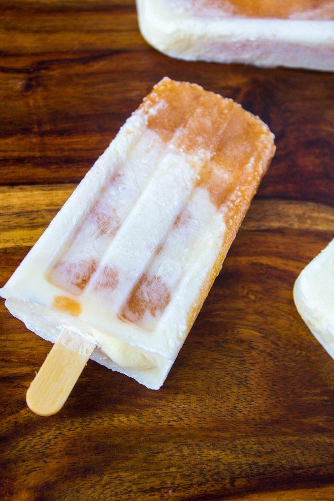 Peaches and Cream Cobbler Popsicles #SundaySupper
