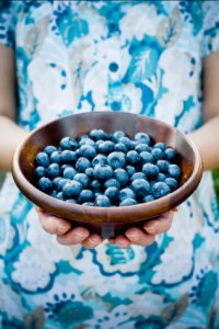 food-fruit-person-holding-blueberries