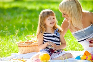 people-mom-and-daughter-picnic-2