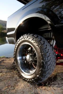 "37"" tires, 20"" wheels"