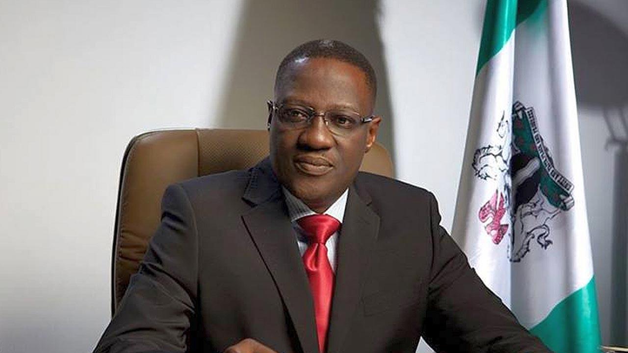 EFCC arrests former Kwara state governor, Abdulfatah Ahmed over alleged  diversion of N9bn - Daily Focus Nigeria